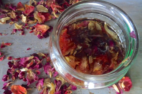 Dried Rose Petals Uses1